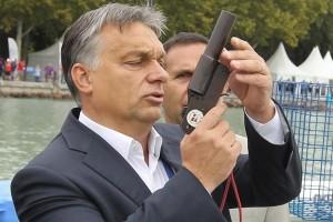"""Nekimentek Orbánnak: """"Kérjen bocsánatot és húzzon el"""""""