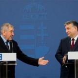 Cornel Marcuslescu Nemzetközi Úszószövetség (FINA) és Orbán Viktor Fotó: MTI/Illyés Tibor