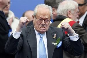 Le Pen kitagadta a lányát