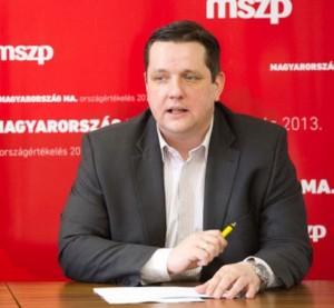 Brókerbotrány – MSZP: a kormány a károsultak kifárasztására játszik