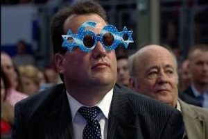 Az arcot váltó HIT. Fidesz-ígéretek a Hit Gyülekezetének