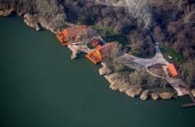 Saját tó, luxusházak, hajó – Légi felvételeken mutatjuk Mészáros Lőrinc fenséges pihenőhelyét