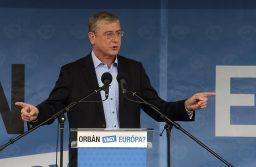 """""""Orbán vagy Európa? Válassz!"""""""